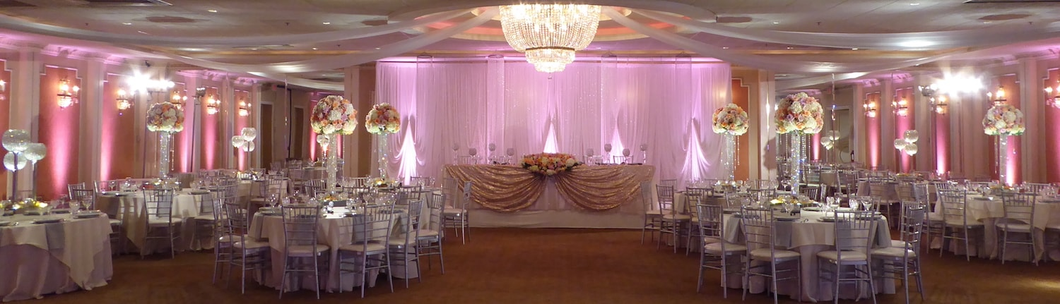 Blush and Gold colors of the all-inclusive wedding reception in Astoria Banquets.