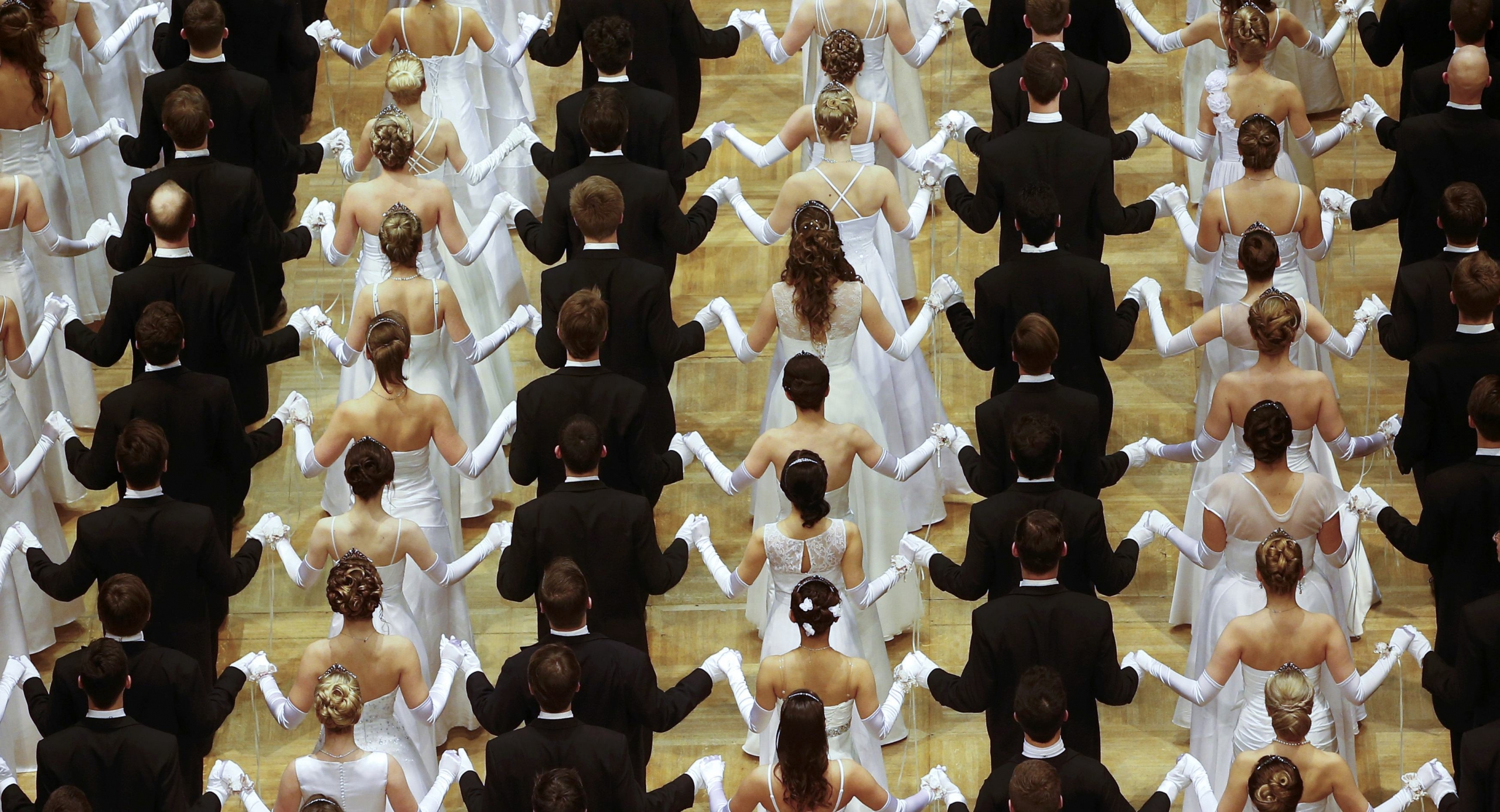 Difference Between A Cotillion and a Debutante Ball